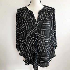 LUSH black 3/4 sleeves high low blouse S